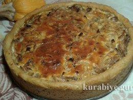 Луковый пирог с маком