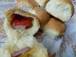 Дрожжевой пирог с сыром и колбасой