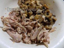 Наливной пирог с курицей и грибами
