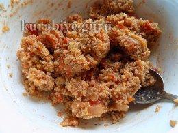 Хрустящая лепёшка из кускуса с томатами