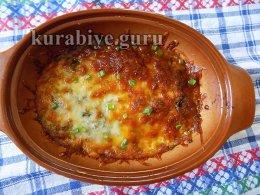 Фрикадельки в томатном соусе под моцареллой