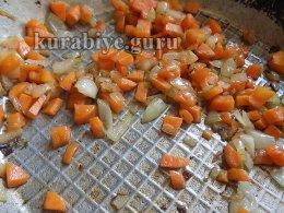 Куриный бульон с кукурузными клецками
