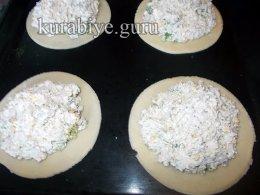 Пирожки с курицей и брокколи