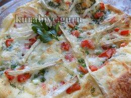 Омлет с помидорами и сыром бри