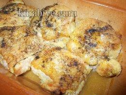 Курица под грибным соусом
