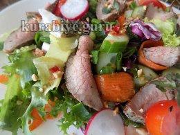 Салат с пряной говядиной от Гордона Рамзи