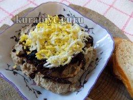 Паштет из куриной печени с карамелизированным луком