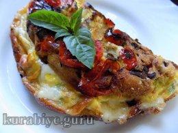 Фриттата с грибами и помидорами