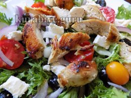 Салат с курицей по-средиземноморски