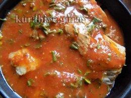 Скумбрия запечённая в томатном соусе