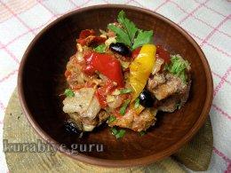 Свинина тушеная с овощами в средиземноморском стиле
