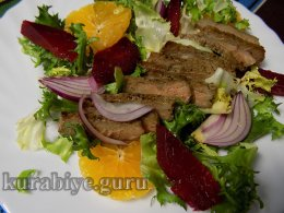 Стейк салат со свёклой и мандарином