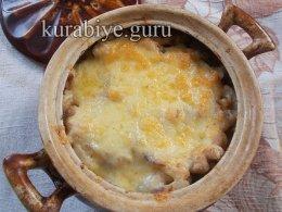 Фрикадельки с фасолью в томатном соусе