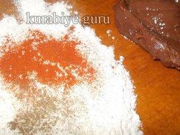 Жареная печень с томатным соусом