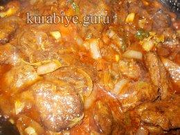 Говяжья печень в томатном соусе
