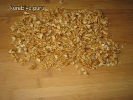 Кофейно-ореховые пирожные с трюфельной прослойкой
