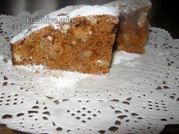 Пирог «Ириска» с вареной сгущёнкой и орехами