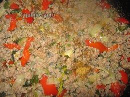Пирог-запеканка из картофельного теста с фаршем и овощами