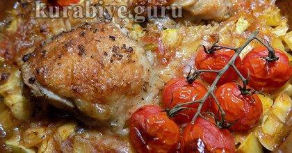 Курица запечённая с кабачками и рисони