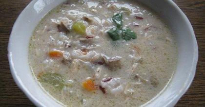 Густой сливочный суп с красным рисом и курицей