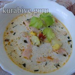 Густой суп из лосося с кукурузой