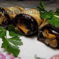 Рулетики из баклажанов с овощной начинкой