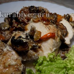 Куриная грудка в сливочном соусе с красным рисом