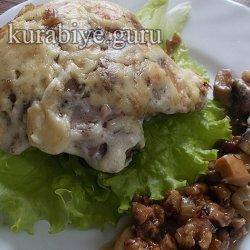 Жаркое в горшочках с курицей и грибами