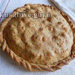 Пирог с карамелизированными баклажанами и перцем