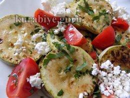 Салат из кабачков с томатами и творогом