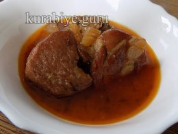 Говядина тушеная в томатном соусе