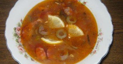 Солянка сборная мясная классическая, рецепт с фото