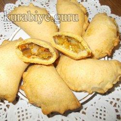 Пирожки с баклажанами и помидорами