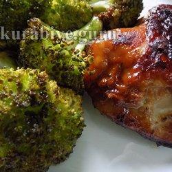 Румяная курица запечённая с брокколи