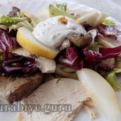 Салат из курицы с грушами